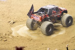 monsterjam 570