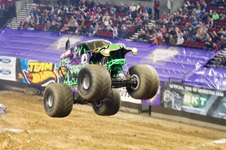 monsterjam 747